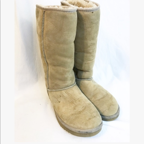 e5e38a62ab 8 DIY Cleaning Tricks for Keeping Your UGG Boots Looking New - DIY .